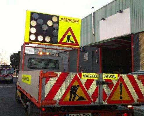 Camión de señalización de obras